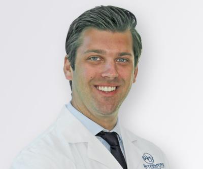 Dr Alex headshot